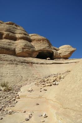 climbing the cliffs #petra @evathedragon 2013